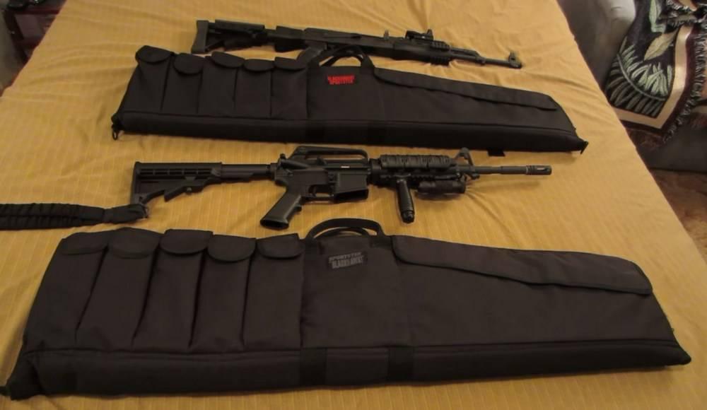 BLACKHAWK 74SG36BK Carbine Case has a large pocket with velcro